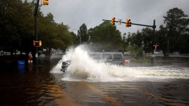 Власти уверяют, что непогода может убить
