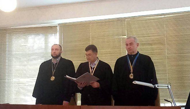 Судья Виктор Попрас аргументировал отказ нарушением срока подачи иска