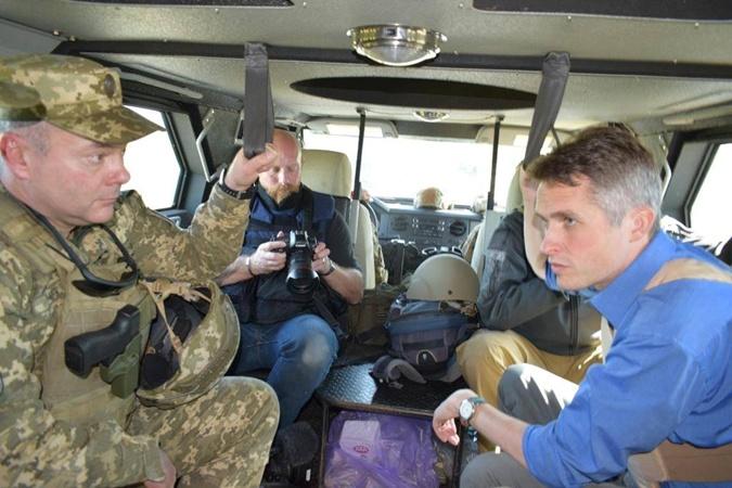 Гэвин Уильямсон побывал на Донбассе.