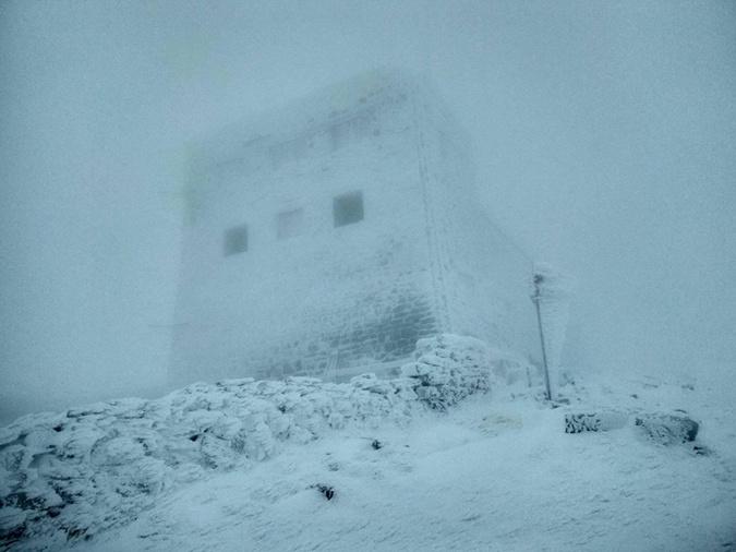 В Карпатах выпало полметра снега.