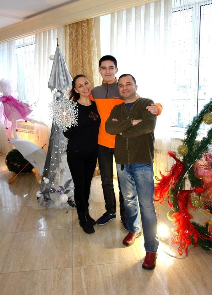 У сына Виктора Павлика диагностировали рак - певец попросил о помощи  фото 1