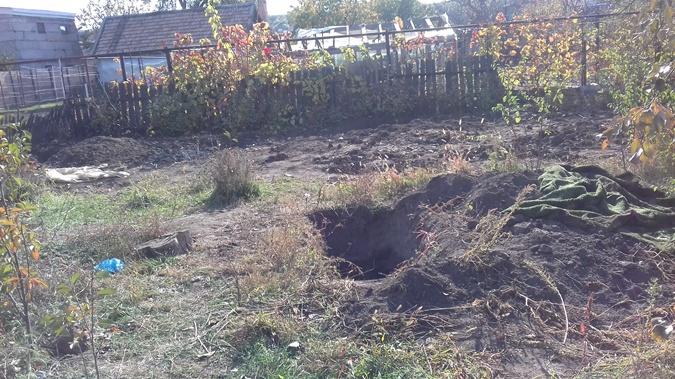 Пока нашли пять прикопанных  тел. Поговаривают, могут быть и  еще. Фото: автор