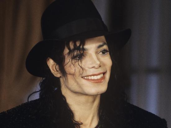 Майкл Джексон вшестой раз подряд возглавил список самых богатых мертвых известных людей