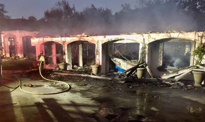 Голливудские пожары звездных домов: сгорели полмиллиарда долларов фото 4