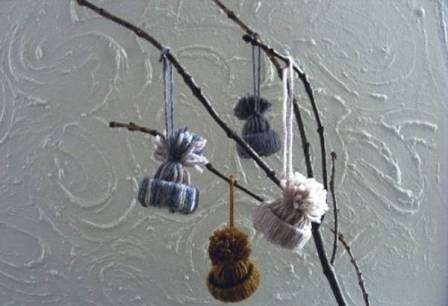 Из шишек, лампочек и соленого теста: 5 идей для новогодних украшений своими руками фото 5