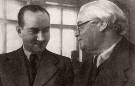 Столярский открыл миру невероятное количество музыкальных талантов, среди которых известный скрипач Давид Ойстрах (слева).