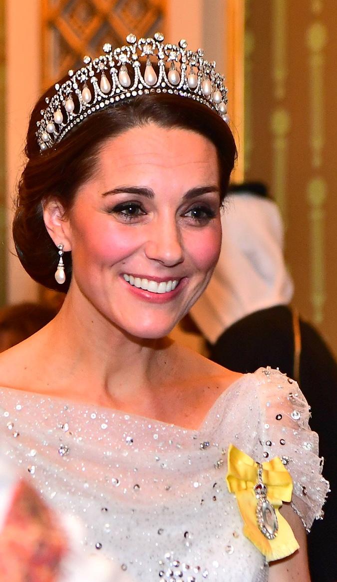 Герцогиня надела знаменитые украшения принцессы Дианы, добавив образ брошью Фото: REUTERS