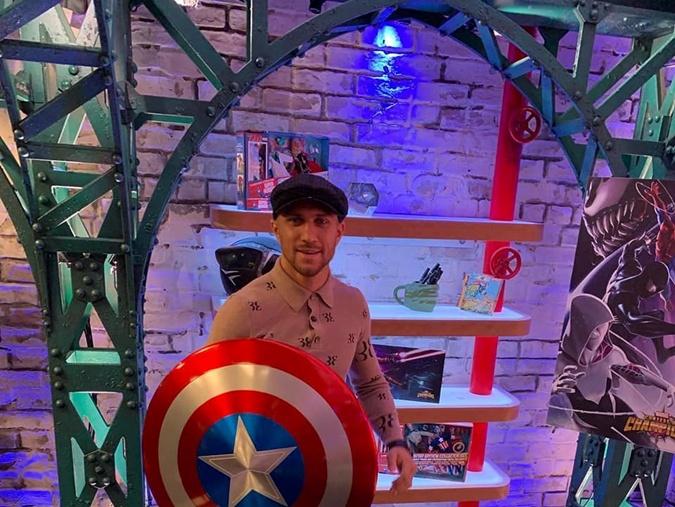 Василий Ломаченко в США посетил киностудию Marvel фото 3