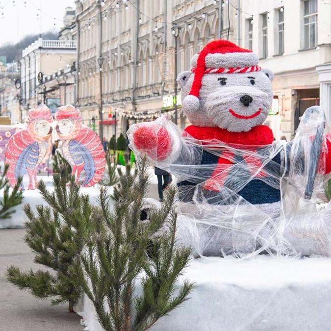 Медвежонок Йорк поможет Святому Николая раздать подарки  Фото: Folk Ukraine