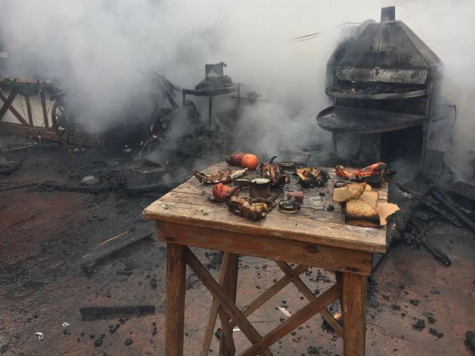 Якобы взорвался один из газовых баллонов. Фото: ГСЧС во Львовской области.