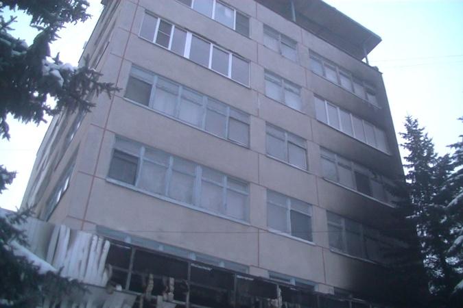 В Харьковской области сгорели два этажа санатория фото 3