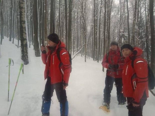 Спасатели в поисках пропавших туристов  Фото: спасательно-поисковой бригады ГСЧС1