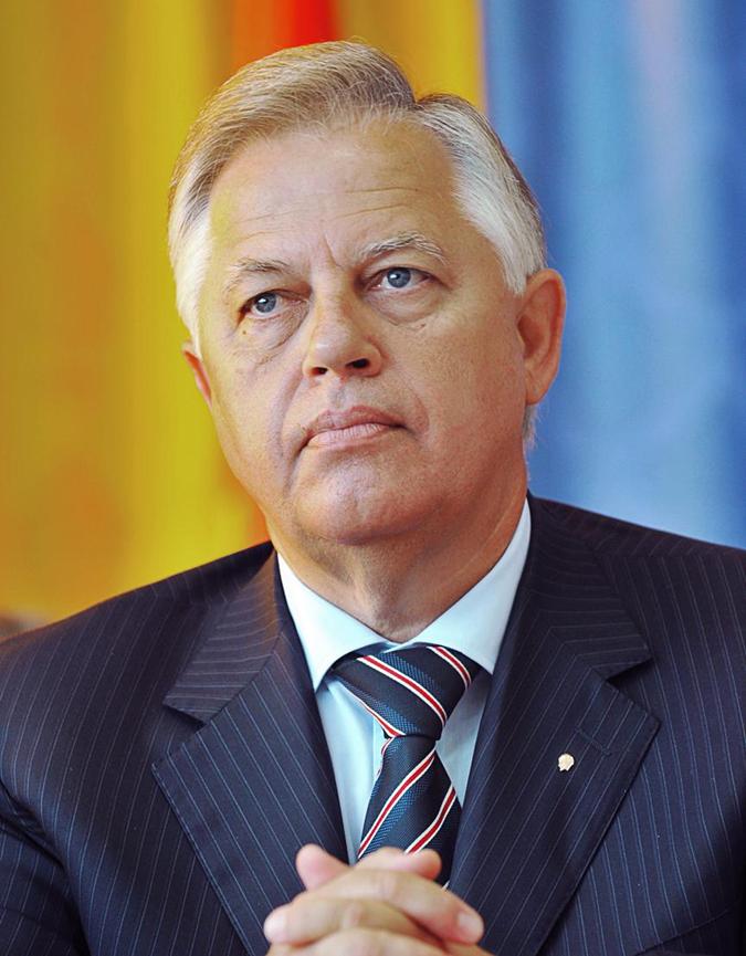 Петр Симоненко делегирован на выборы от КПУ.