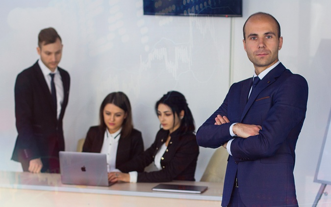 Дмитрий Ротарь — руководитель ЦБТ-Черновцы, профессиональный трейдер и эксперт по инвестированию.