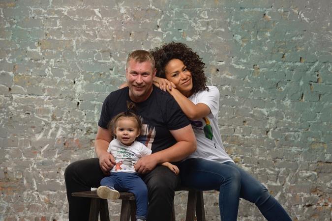 Гайтана с мужем Алексом и дочкой Сапфир-Николь.