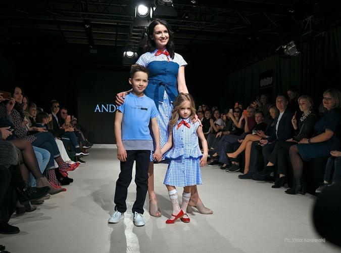 Валентина Хамайко  с дочкой Мирославой и сыном Михаилом. Фото: Виктор Ковалевский