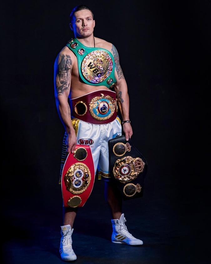 Александр Гвоздик отстоял титул чемпиона мира WBC вбою против француза Нгумбу