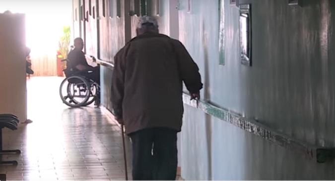 Решить проблему помогло бы наличие спецучреждения для осужденных с инвалидностью, но такого в Запорожского области пока нет.