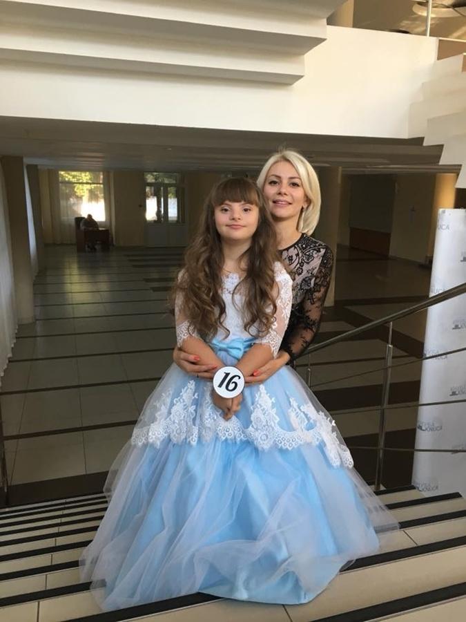 Солнечная девочка из Винницы победила на конкурсе красоты в Чехии фото 3