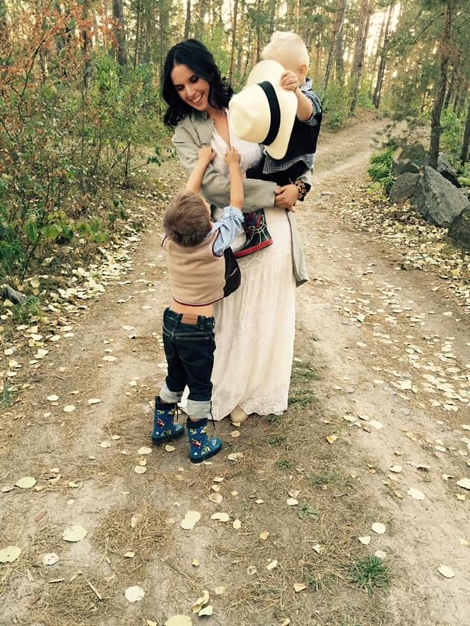 Янина с сыновьями. Поддержка и любовь близких и родных способны победить болезнь.