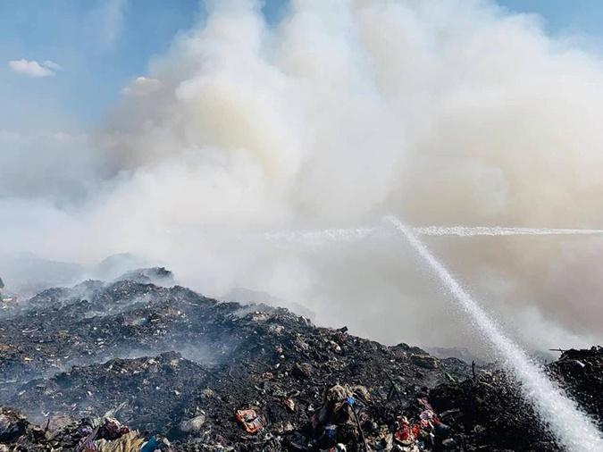 Под Николаевом загорелся полигон с мусором фото 2