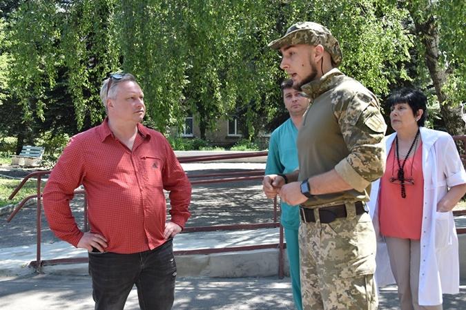 Делегация Литвы побывала в Донбассе фото 1