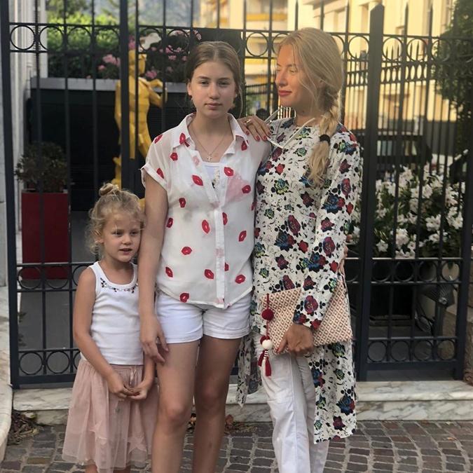 Оля Горбачева показала своих дочерей фото 1