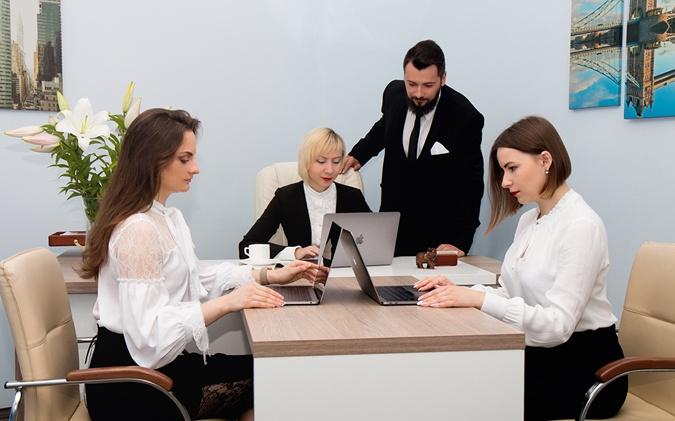 Пакет Селфтрейдинг ЦБТ, отзывы, Львов. Руководитель львовского филиала компании Елена Якубовская.