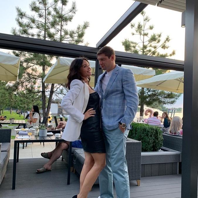 Свое 34-летние Селезнев отпраздновал в столице Украины вместе с прекрасной женой Аллой. Фото: instagram.com/e_seleznev