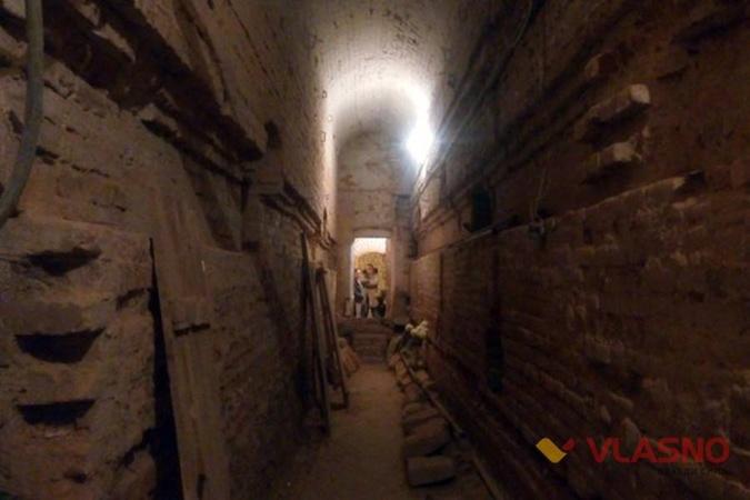 Археологи исследуют подземные ходы. Фото: vlasno.info.