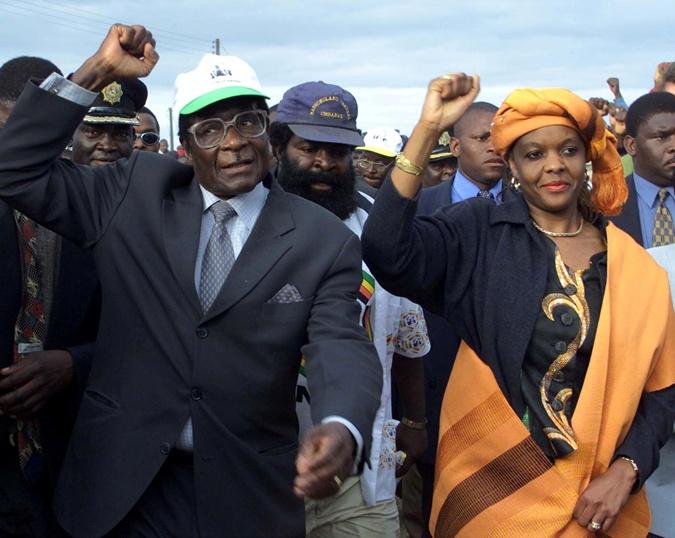 Жена Мугабе участвовала в политической жизни страны.