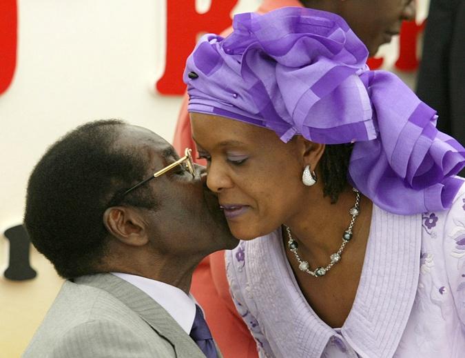 Супруга экс-президента любит драгоценности.