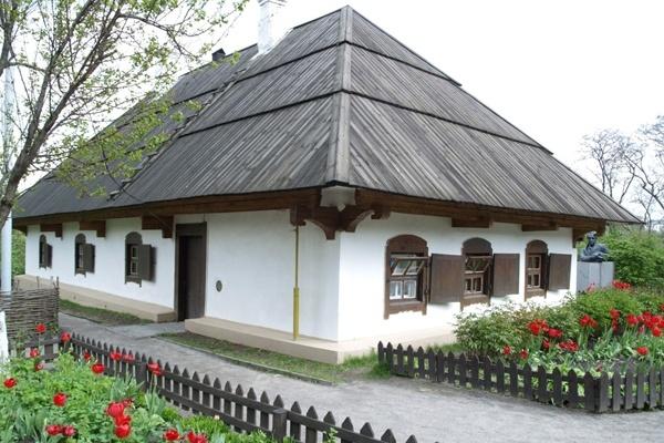 Дом и усадьба писателя в Полтаве. Фото: Зеркало Недели