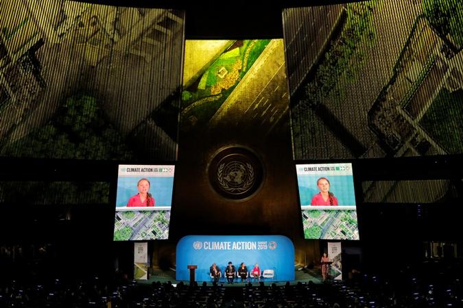 16-летняя шведская экоактивистка выступила в штаб - квартире ООН в Нью - Йорке.
