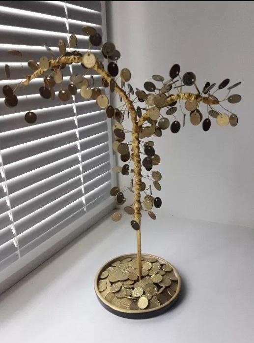 Вот как должно выглядеть настоящее денежное дерево.