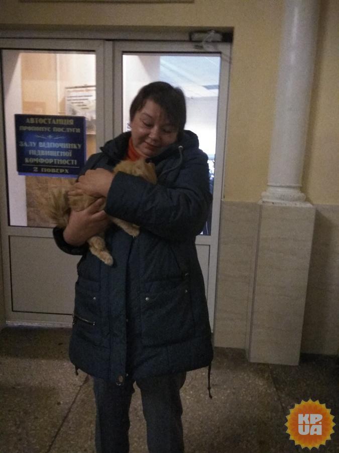 Наталья впервые взяла нового члена семьи на руки.