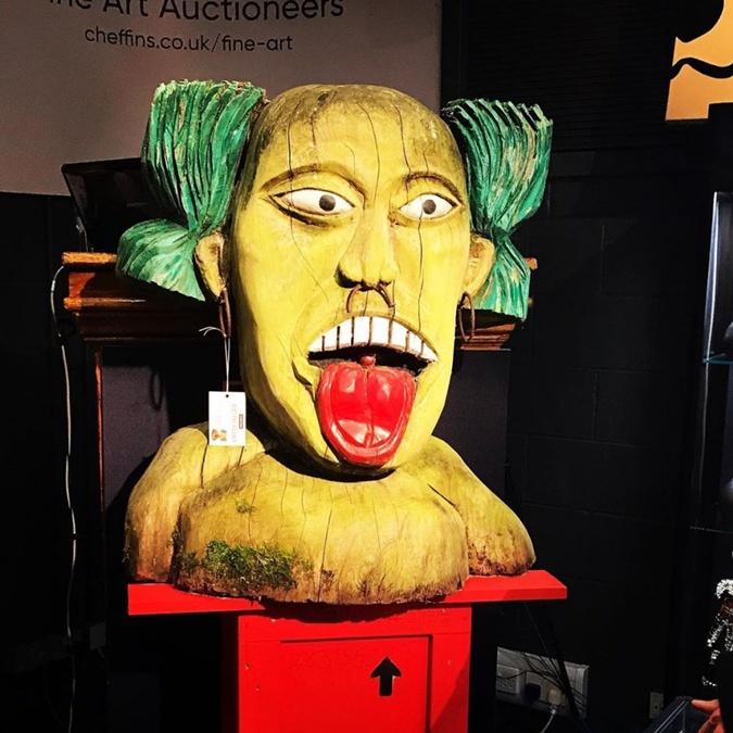 Кому-то из поклонников Кита Флинта достался его музыкальный идол в натуральную величину.
