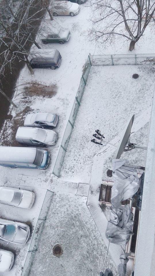 Погода в Украине: во Львове наслаждаются первым снегом, а в Харькове уже гуляют по льду фото 4