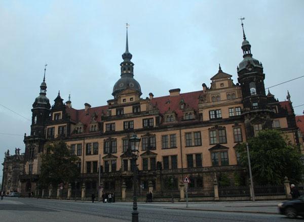 Ограбление в Дрездене: броши, заколка для шляп и шпага на миллиард евро фото 1