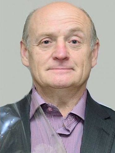 57-летний системный администратор Владимир Захаров задохнулся в дыму пожара в офисе