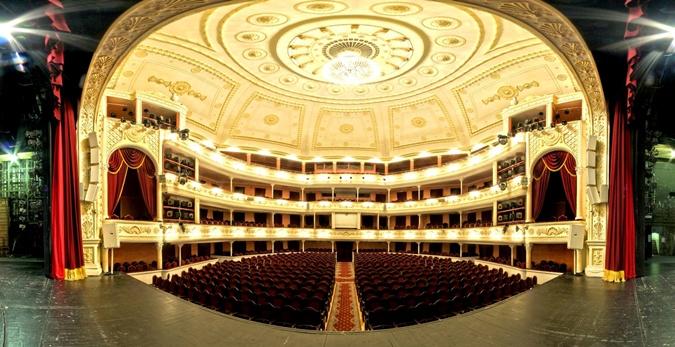 Выступать при пустом зале для актеров – нонсенс. Фото: ФБ театра