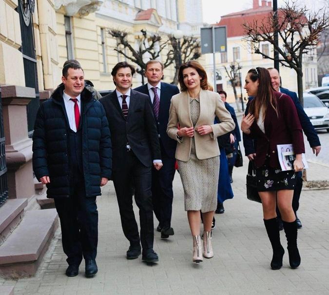 Экс-пресс-секретарь Марины Порошенко: Между первыми леди в Украине больше преемственности, чем между президентами фото 2