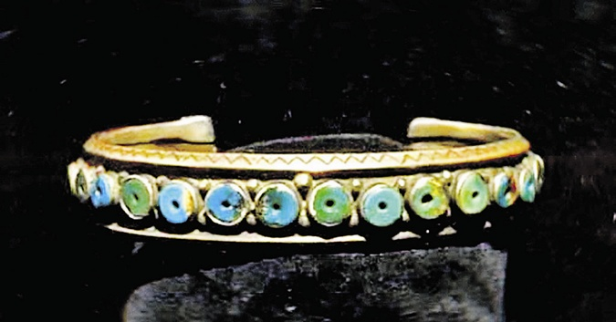 Серебряный браслет с бирюзой из 22 бусин, дата изготовления - начало прошлого века.