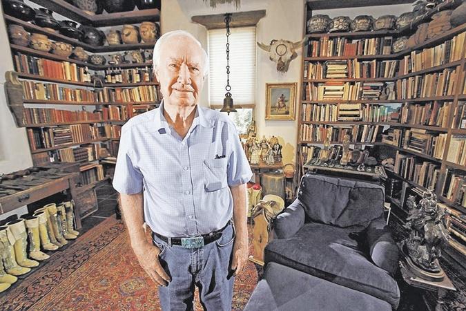 Затейник-миллионер Форрест Фенн собирал древности повсему миру. И открыл свою антикварную лавку.