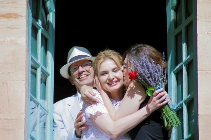 На церемонии были самые близкие. Настоящую свадьбу пара устроит на свою первую годовщину – 27 июня 2021 года. Фото: Личный архив Инны Шевченко