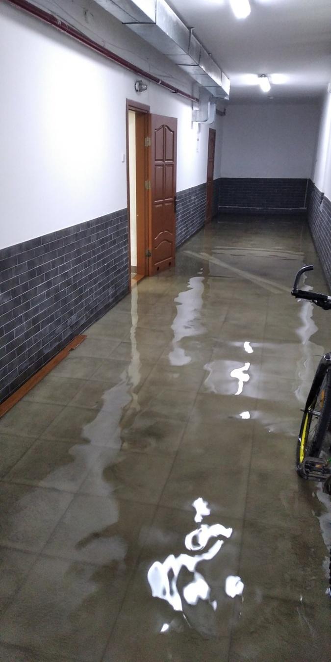 На Западной Украине снова зверствует стихия: затоплены несколько населенных пунктов (ФОТО)
