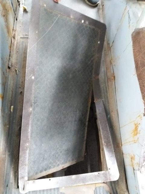 В Житомире пассажир провалился сквозь пол троллейбуса   фото 1