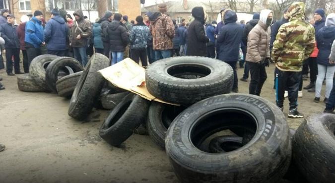 Жители Новых Санжар: Боялись коронавируса из Китая, а получили из Львова фото 2