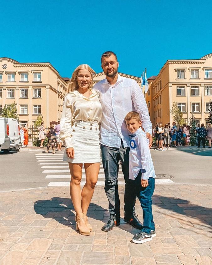 Тамерлан и Алена с сыном. Фото: instagram.com/tamerlan_alena