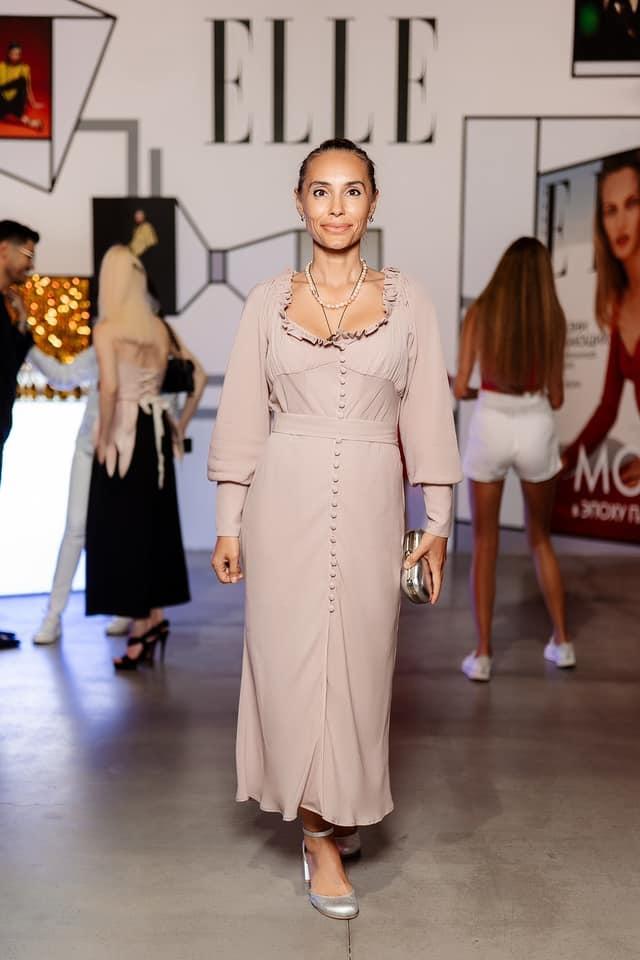 Виталина Ющенко пришла на UFW в платье собственного дизайна фото 1
